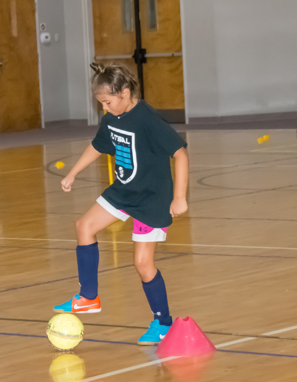 FUTSAL 5V5 - Futsal have recently picked up interest in the United States. The game that serves as a primary tool for youth development all over the world has finally founds its way into the US Soccer Culture.Learn more ➝