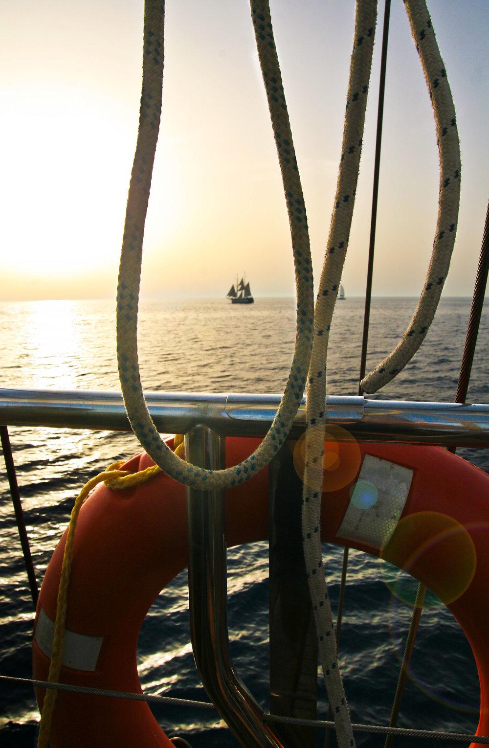 chrissihernandez-greece-santorini-cruise.jpg