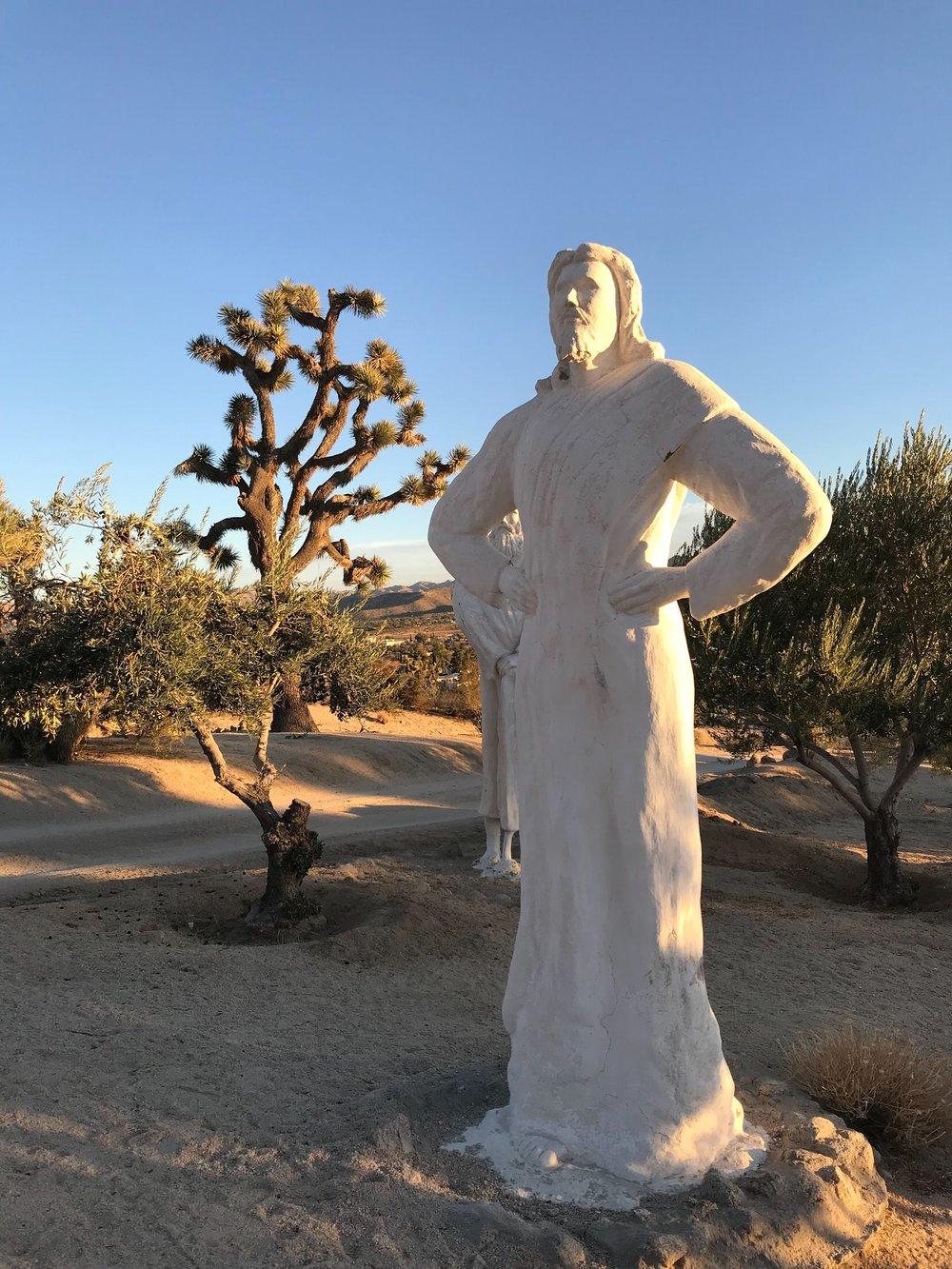 chrissihernandez-california-yuccavalley-desertchristpark (3).JPG