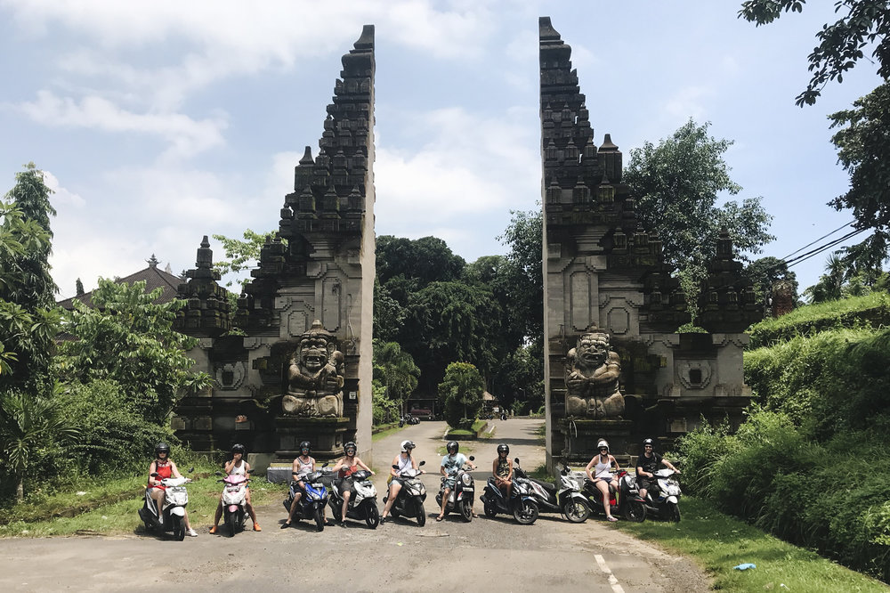 chrissihernandez-bali-ubud-scooters (21).JPG