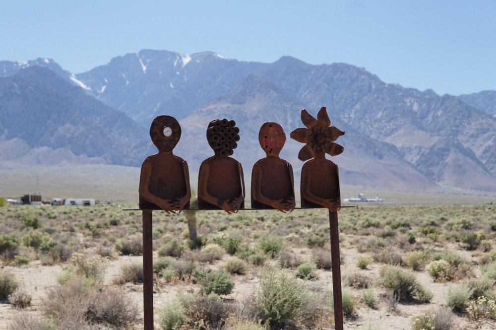 chrissihernandez-california-olancha-statues.jpg