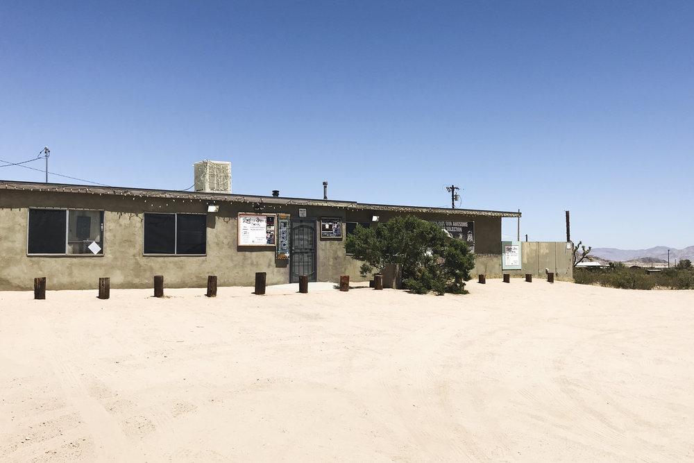 chrissihernandez-california-joshuatree-landers-brew-co-04.jpg