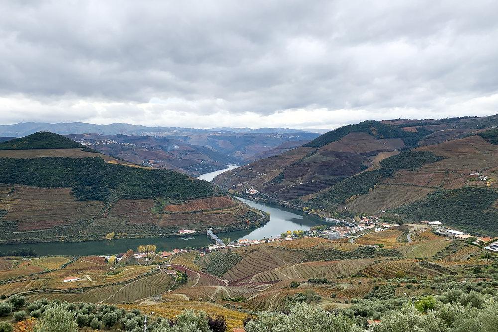 chrissihernandez-portugal-dourovalley-landscape-copy2500.jpg