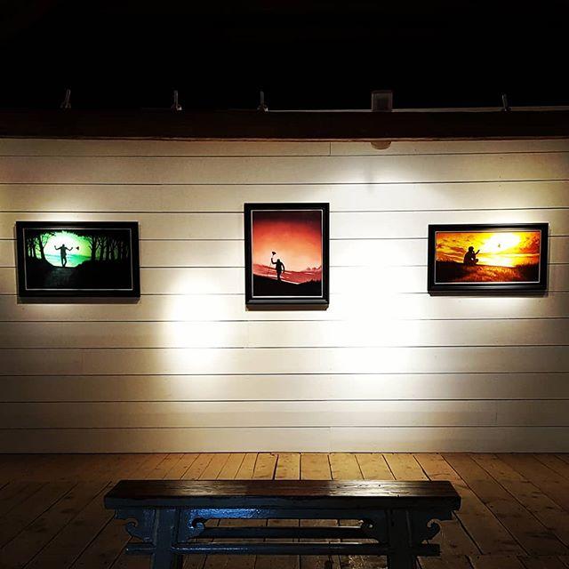 Utställning med fab @sofiamariaw_art på @brobygard.se i Enköping 21/7 - 1/8.  Första gången jag ställer ut dessa 3 tavlor! ☀️☀️☀️