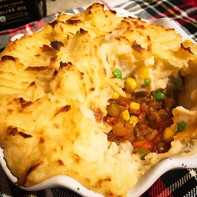 Have you heard? Winter has arrived in Vancouver so bring on the comfort food!! Shepherds Pie, coming soon to a market near you ... #comfortfood #whatveganseat #lentils #vegancomfortfood #shepherdspie #veganfood #vegansofig #vegansofvancouver #eatrealfood