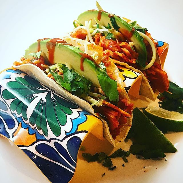 Who's missing summer as much as we are?? Broke out last summer's biggest seller - Jackfruit Carnitas - for some mid-week taco goodness (and new fresh corn tortillas from our kitchen neighbour @solecitosalsas) - all that was missing was an ice cold margarita ... well there's always the weekend!! #fresh #local #vegan #tacos #jackfruit #carnitas #glutenfree #tacothursday #tasteofsummer #spicy #feedfeedvegan #eatrealfood #vegansofig #veganfood #smallbusiness #entrepreneurlife