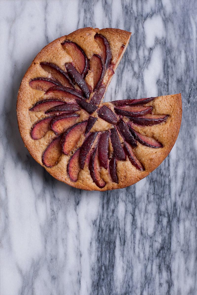 Skillet Plum Cake | breadandbrushstrokes.com
