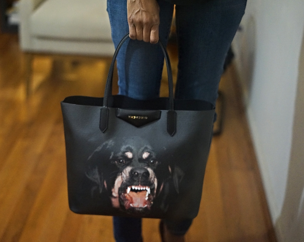Christine_The_Syle_D'affaire_editorial_givenchy_bags_photograghy.jpg