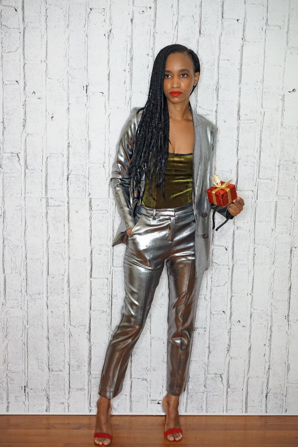 christine_the_style_affaire_bcbgmaxmara_steve_madden_shoes_topshop_suit_blazer_pants_trousers_fenty_beauty_red_lipcolor_by_rihanna_christmas_colors_bodysuit_joy_metallic_holidays.jpg