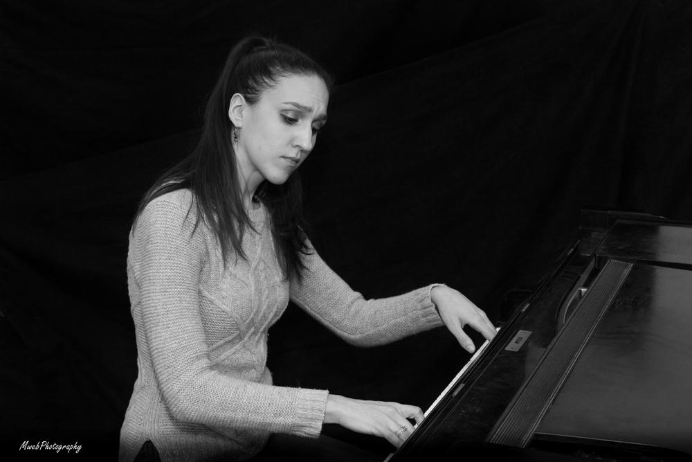"""Francesca Tortorello playing Bach's """"Italian Concerto."""""""