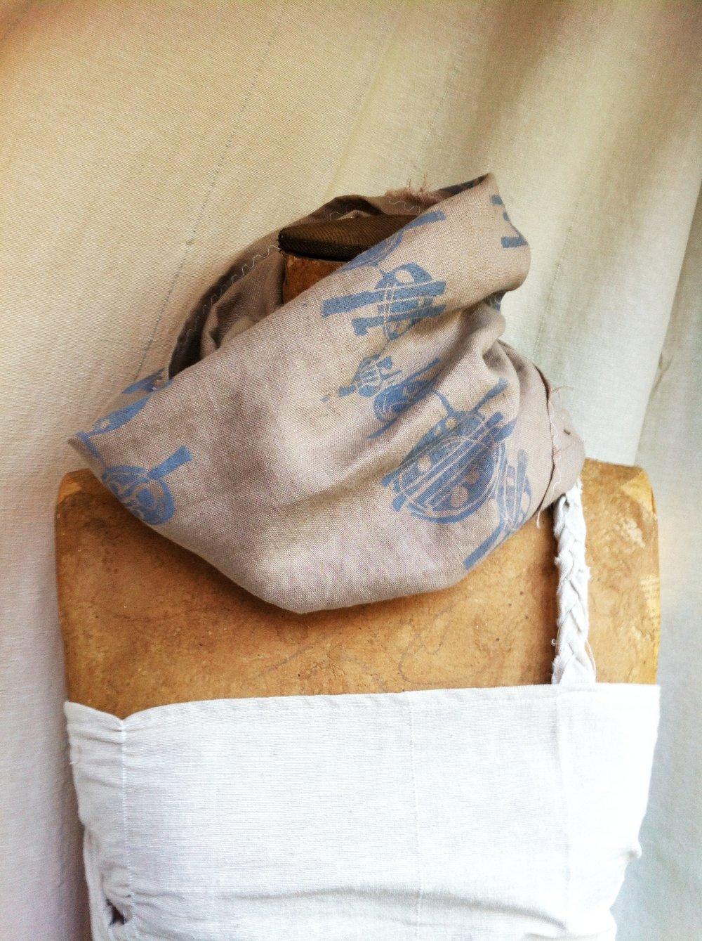 linen-printed-scarf1.jpg