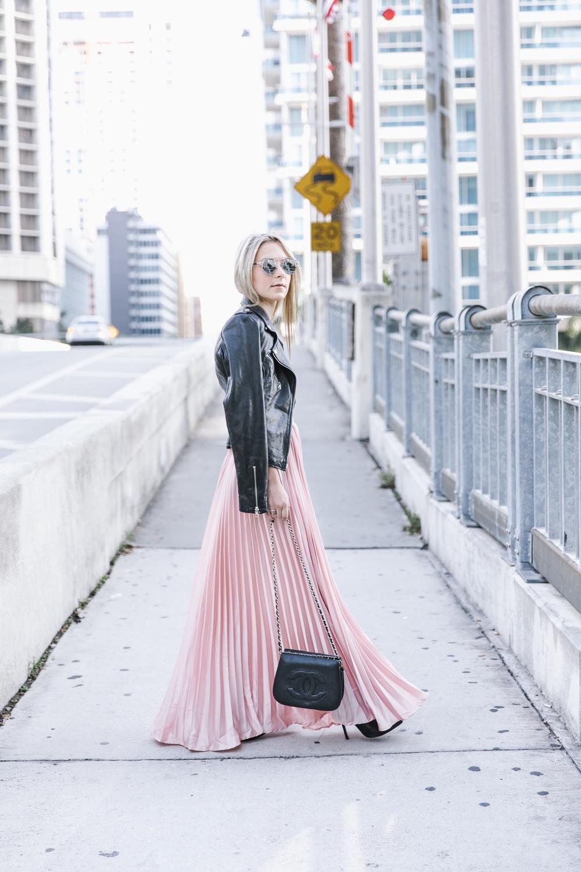 pinkpleastedskirt_Feminine_edge