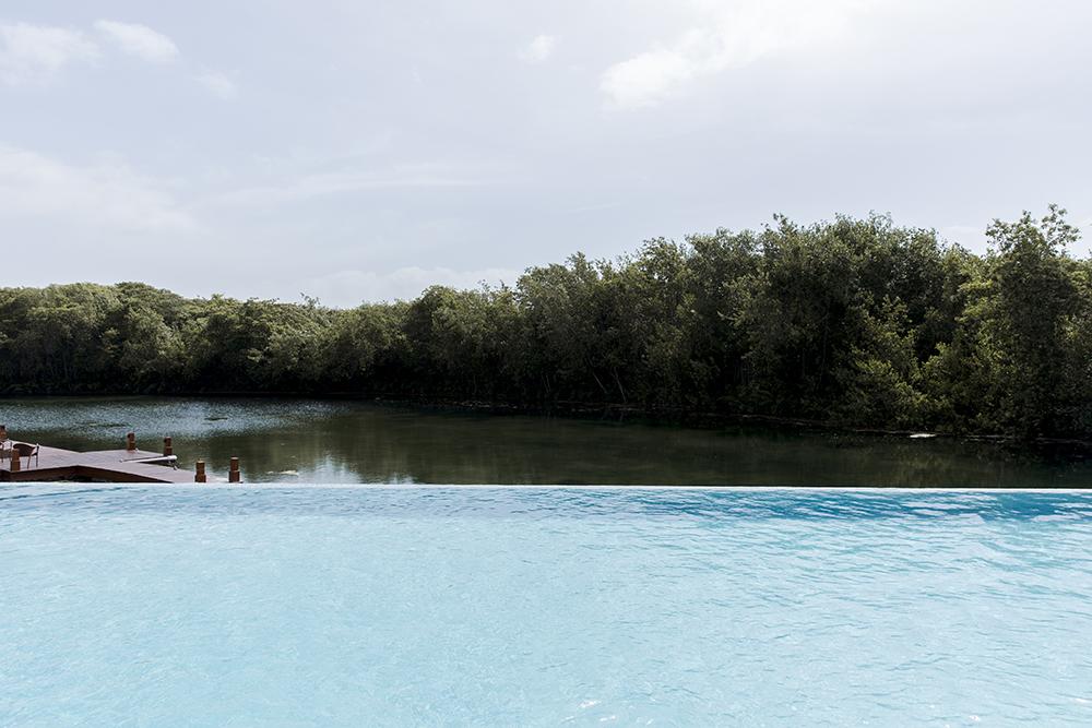 fairmont-mayakoba-infinity-pool