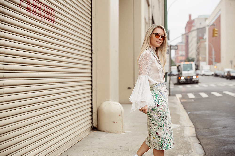 nyfw outfit printed overalls