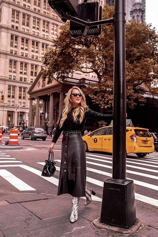 black-cashmere-sweater-uniqlo-fall-wardrobe-christie-ferrari