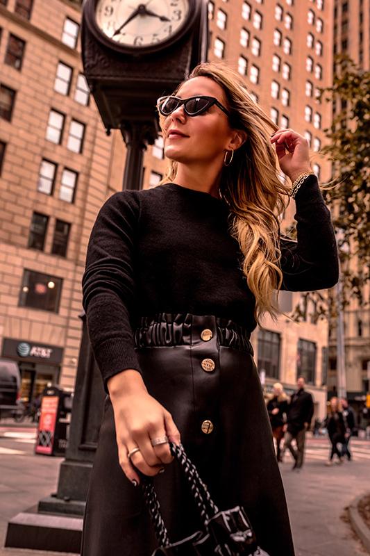 black-crewneck-cashmere-sweater-uniqlo-christie-ferrari-1