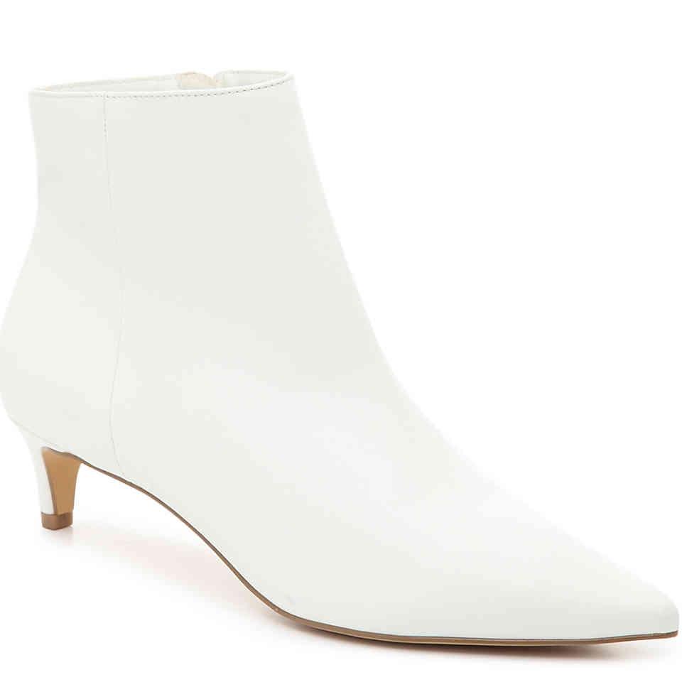 shoe-trend-white-boots-christie-ferrari-small