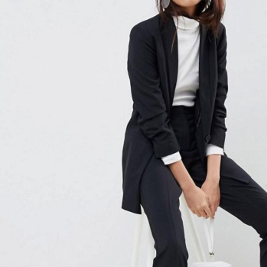 black-suits-dr-c-explains-christie-ferrari