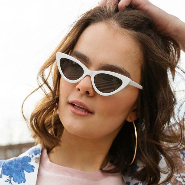 white-cat-eye-sunglasses-christie-ferrari