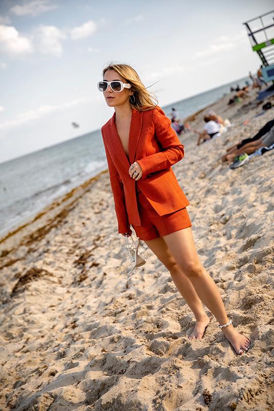 SM_Photo Mar 26, 5 21 06 PM.jpgspring-summer-2019-short-suit-christie-ferrari-3