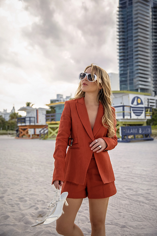 spring-summer-2019-short-suit-christie-ferrari-5