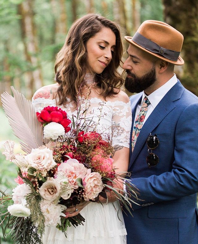 I LOVED working with Rosalia and Jorge on their wedding. They are such a rad couple- I'm kinda sad it's over actually. Sending you two tons of love and wishes for so much bliss together. Also, hit me up when you're ready to plan an anniversary party or just for a cocktail hang! 😘
