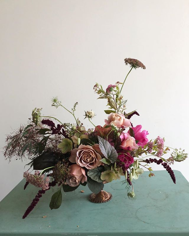 My demo bouquet from yesterday's 1:1 class. Interested in learning how to design loose, natural and intentional arrangements? Email me for info on my 1:1 workshops!