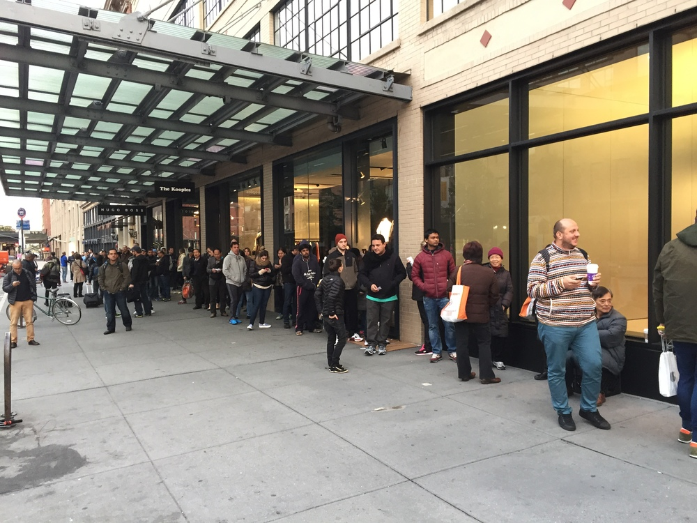 apple iphone line.jpg