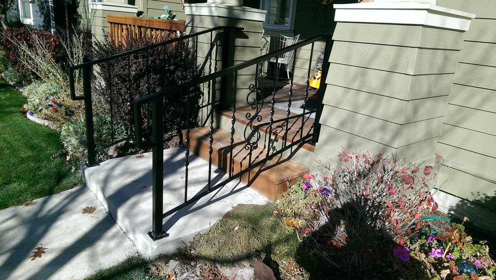 custom-decorative-railing.jpg