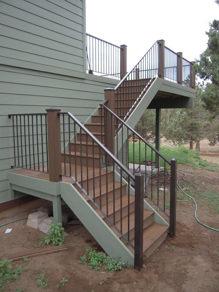 outdoor-stairway-railing.jpeg