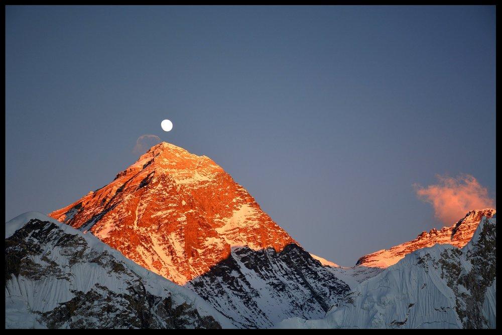 084 Everest and Lhotse at sunset.jpg