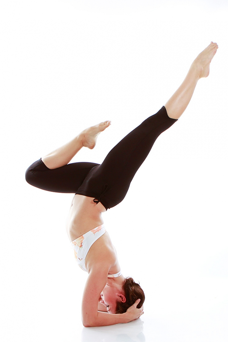 http://www.mikayogawear.com/product/fold-over-capri-pants/audrey-capri.php