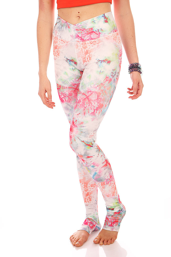 Gaby_Legging_Prints_Mika_Yoga_Wear_1_1024x1024.jpg