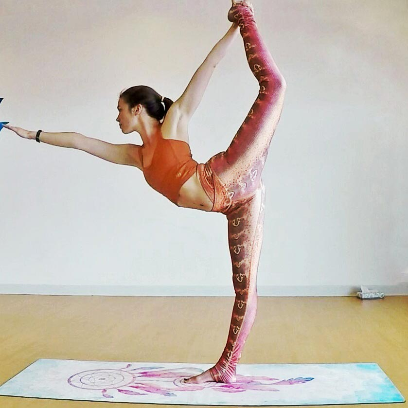 standing bow pulling pose 2.jpg