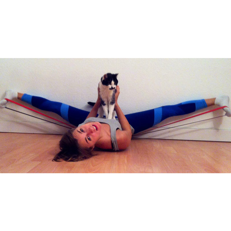 Yoga with pets 10.jpg
