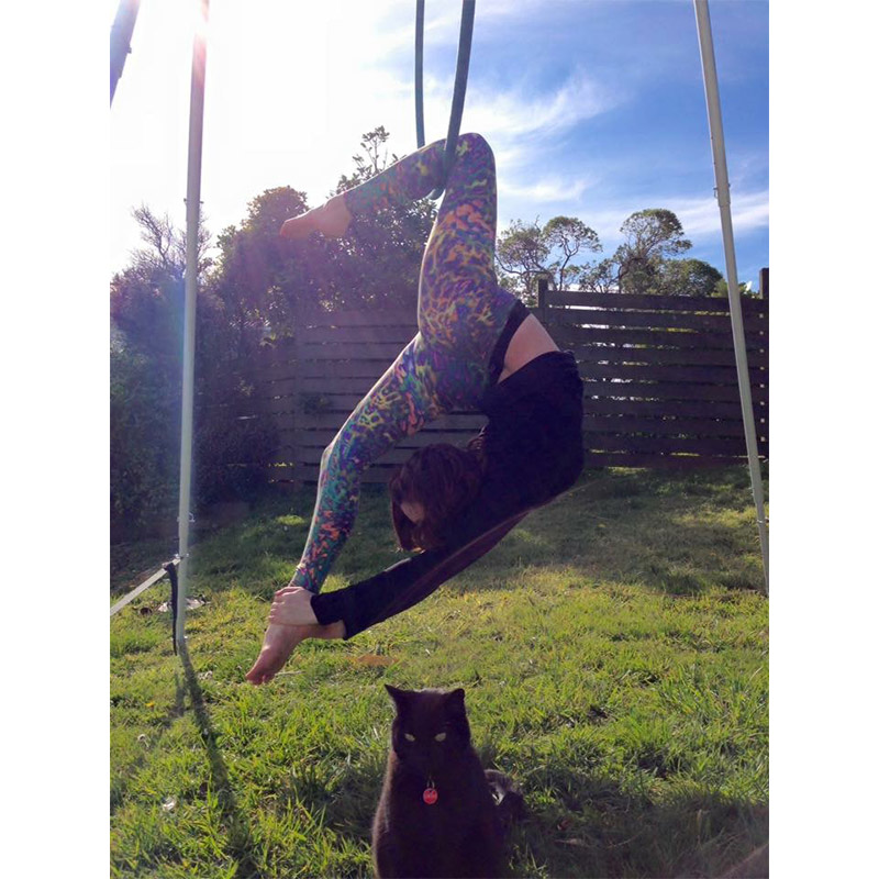 Yoga with pets 19.jpg