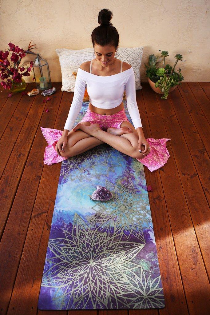 Mandala-Mat-Mika-Yoga-Wear-05_1024x1024.jpg