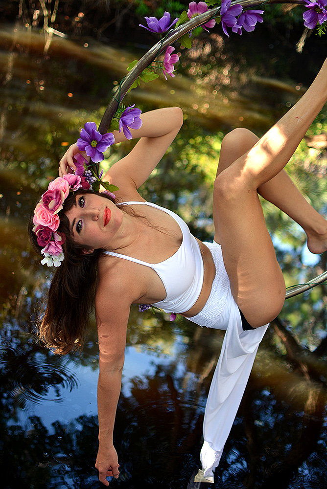 Mika-Yoga-Wear-Lyra6.jpg