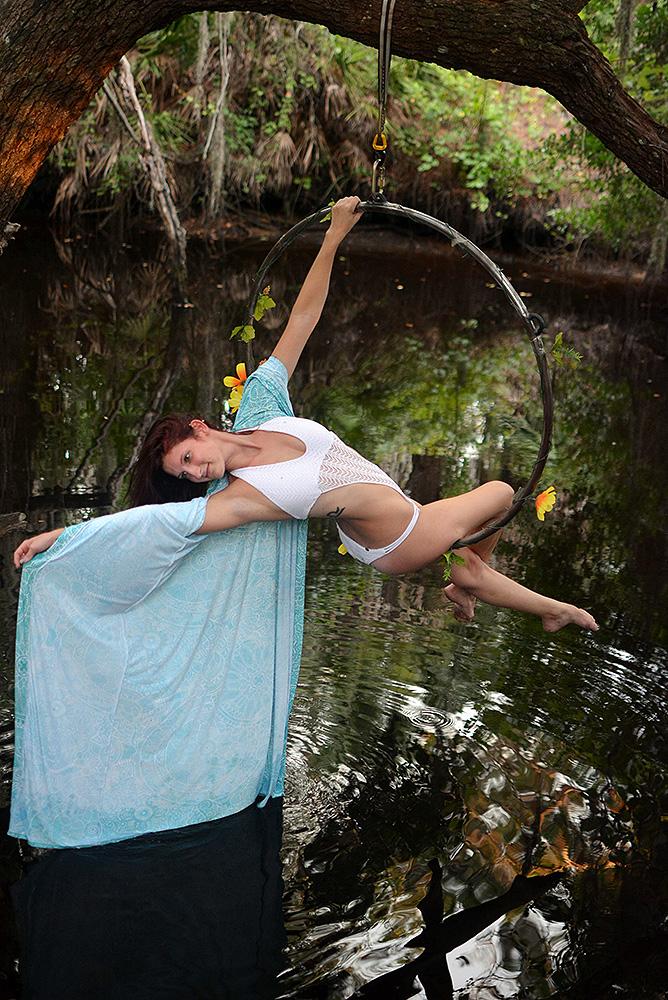 Mika-Yoga-Wear-Lyra13.jpg