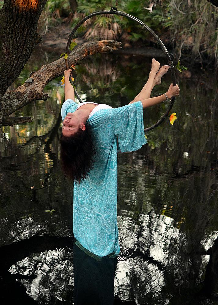 Mika-Yoga-Wear-Lyra16.jpg