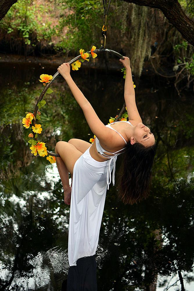 Mika-Yoga-Wear-Lyra43.jpg