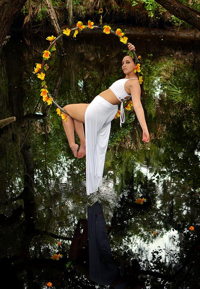 Mika-Yoga-Wear-Lyra45.jpg