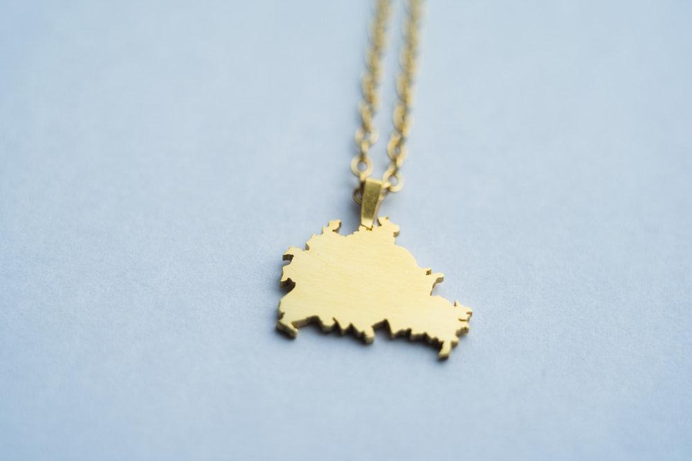 Berlin pendant, gold