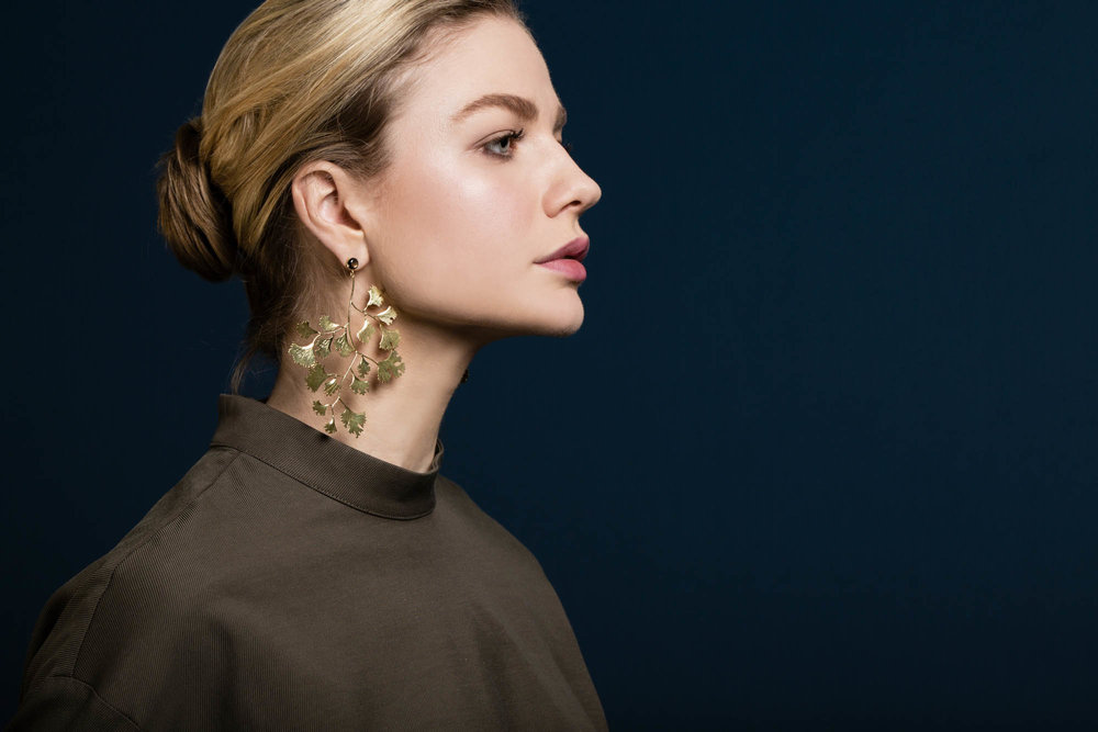 Ginko leaf earrings gold sapphireII.jpg