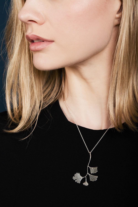 Ginko leaf pendant silver.jpg