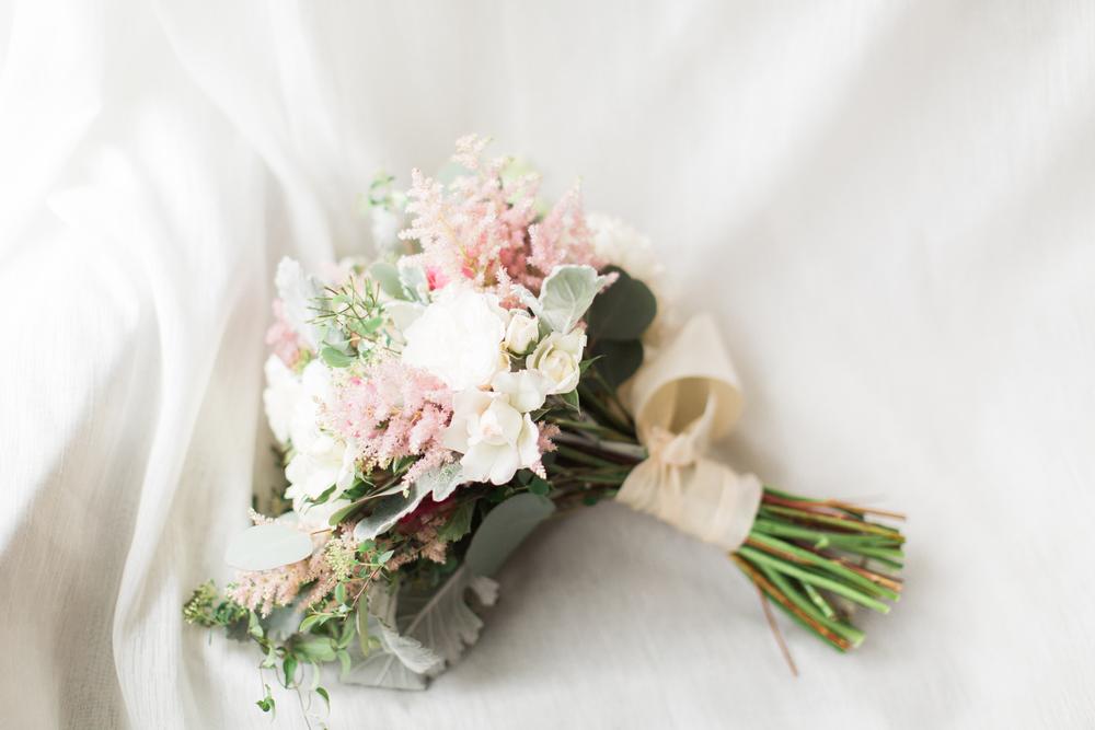 16-brides-flowers.jpg