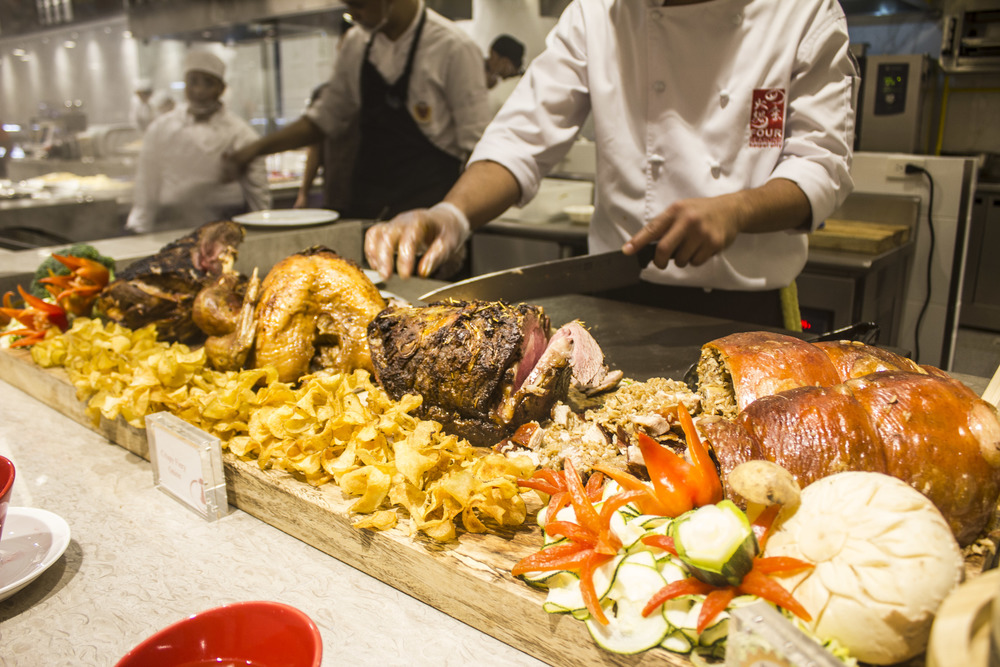 A fresh and healthy menu — four seasons buffet hotpot
