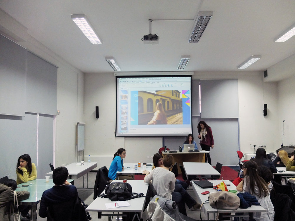 Students editing their work in one of the lecture halls of the municipality building.