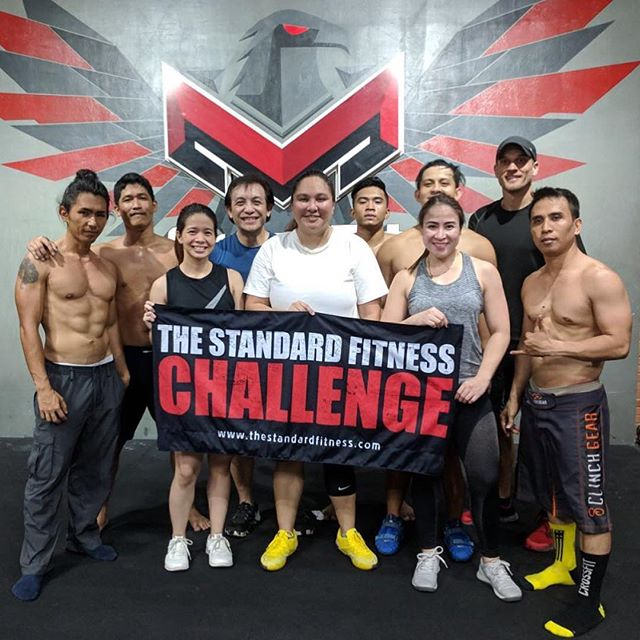 Surround yourself with people that want more out of life! 💯  Taking inspiration from one of our partners @crossfitmadayaw @madayawnorth who'v always been supportive and up for #TheStandardFitnessChallenge