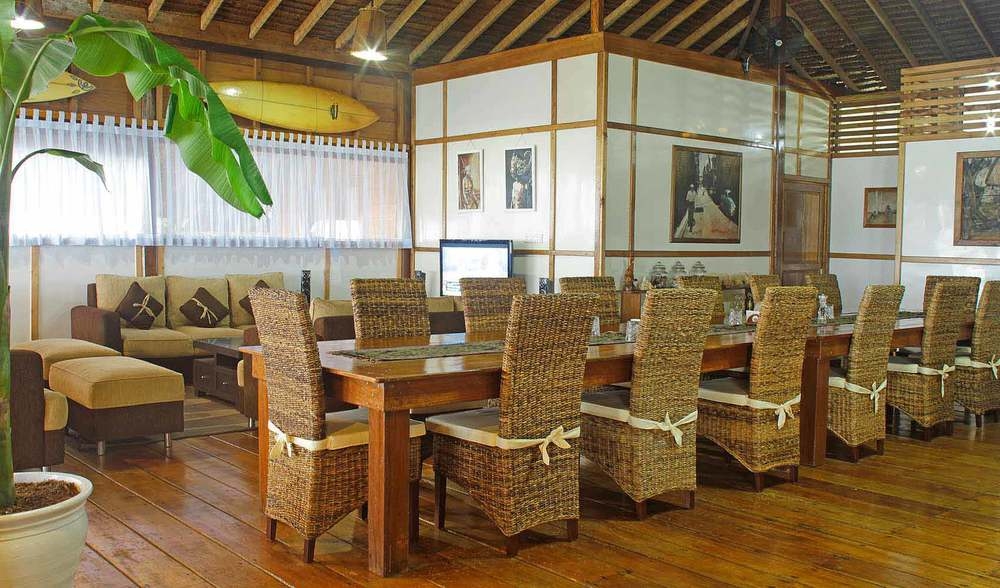 Telo island lodge dining room table